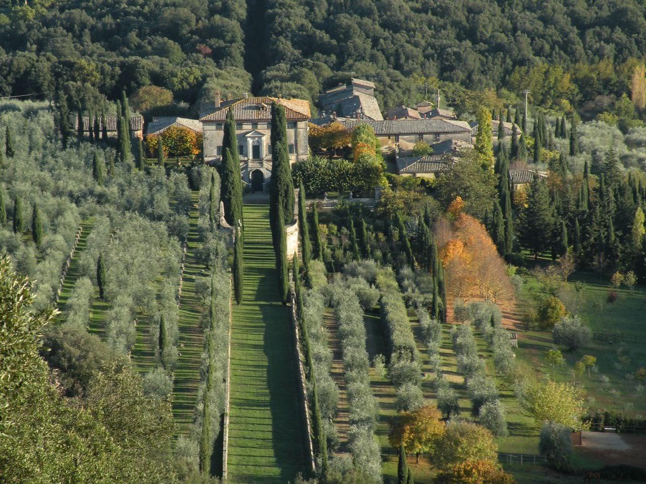 Villa Cetinale, i giardini e la fattoria