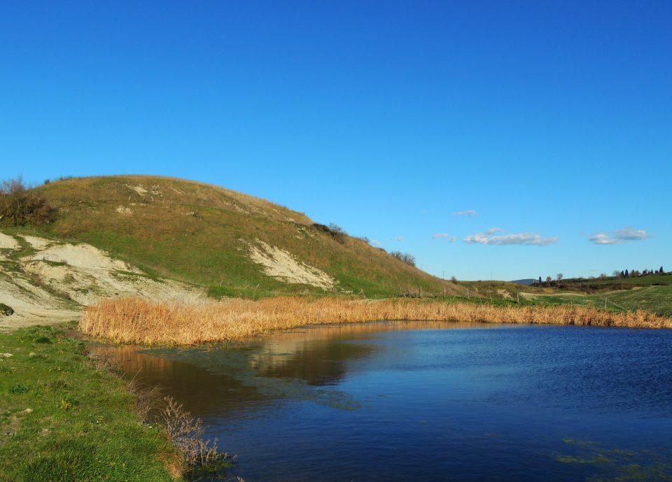 Uno dei laghetti sulla strada che da Torre a Castello porta ad Asciano