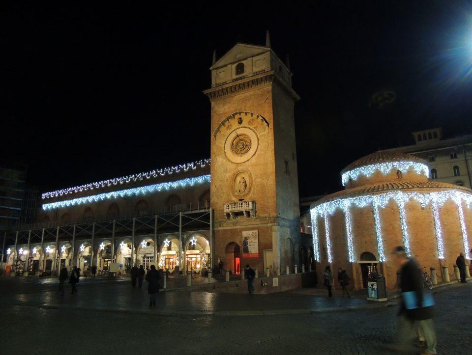 mantova-piazza erbe