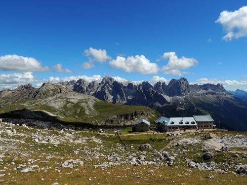 Al Rifugio Bolzano al Monte Pez attraverso l'Alpe di Siusi
