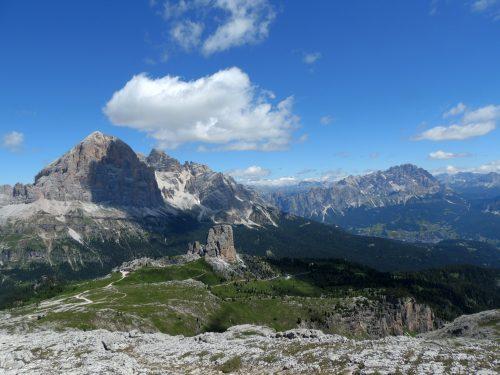 Un rifugio tra le nuvole, il Rifugio Nuvolau nelle Dolomiti Bellunesi